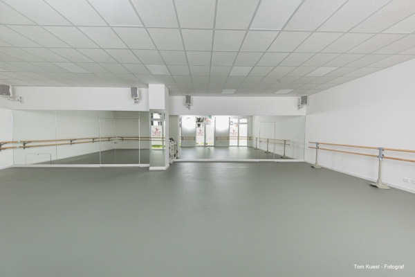 architektur-fotograf-balletschule-1-28F3E2994-0AD5-B508-C8E5-3E121EACA61F.jpg